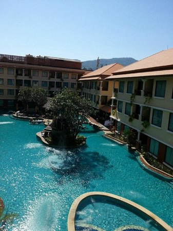 Patong Paragon Resort & Spa: Pool view from 3rd floor