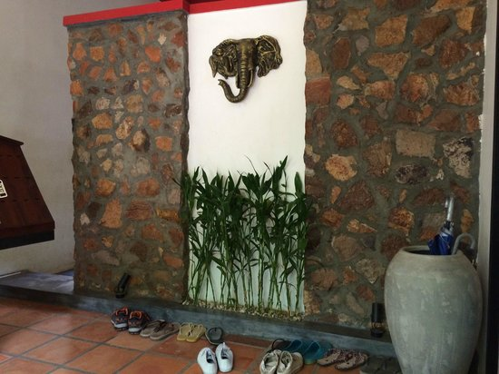Villa Medamrei : Reception, and the symbol/ significance of the VIlla name.