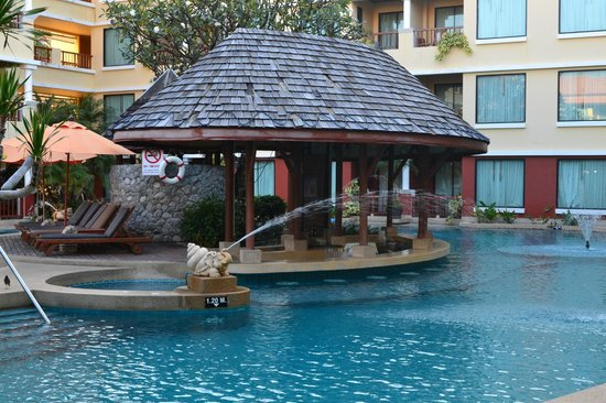 Patong Paragon Resort & Spa : Splash bar