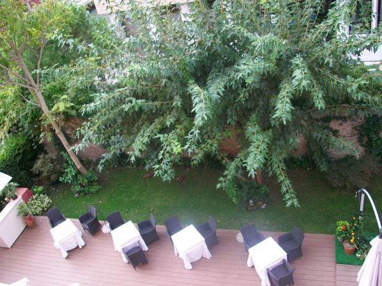 Hotel Moresco : View of beautiful garden from room