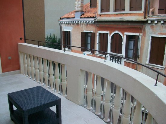 Hotel Moresco : Large balcony