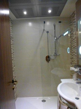 Mercure Parma Stendhal : room