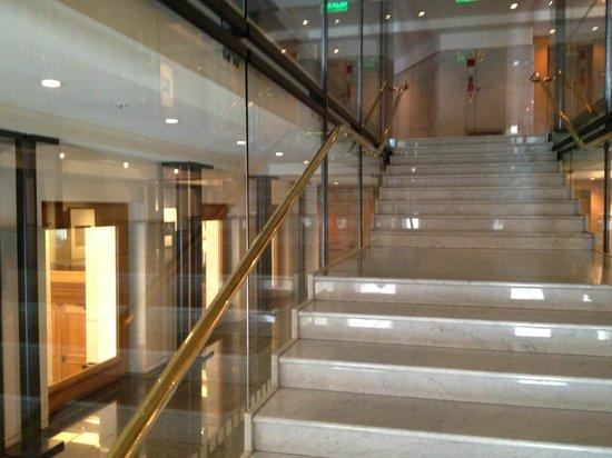 Teatro Solis: Escadaria interna