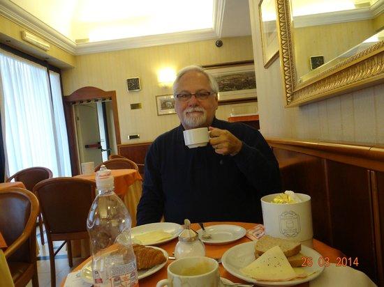Piemonte Hotel : Desayunador