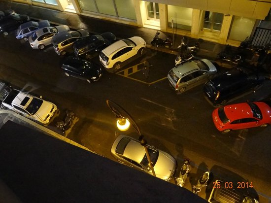 Piemonte Hotel : Desde la habitación que daba a la calle