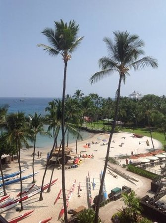 Courtyard by Marriott King Kamehameha's Kona Beach Hotel: The view from our room on the 6th floor! :)