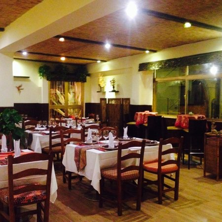 Si Siam Thai Restaurant: Inside the restaurant