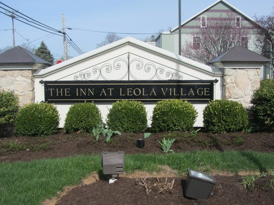 The Inn at Leola Village: Entrance to Inn