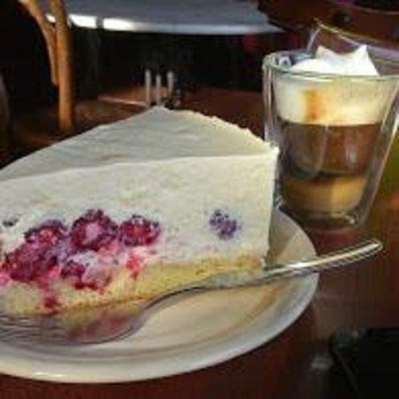 Bellevue Salon de Ta & Queso Pan y Vino: deliciosa cheese cake de frambuesas
