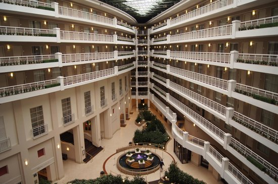 Embassy Suites by Hilton Alexandria-Old Town: inside the hotel