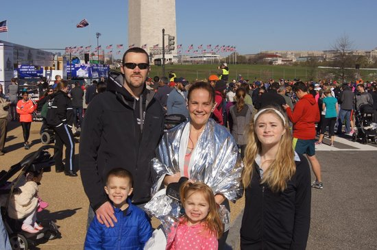 Embassy Suites by Hilton Alexandria-Old Town: My family after the Cherry blossom race