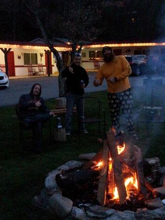 A Holiday Motel: bonfire at a Motel? Yup!!