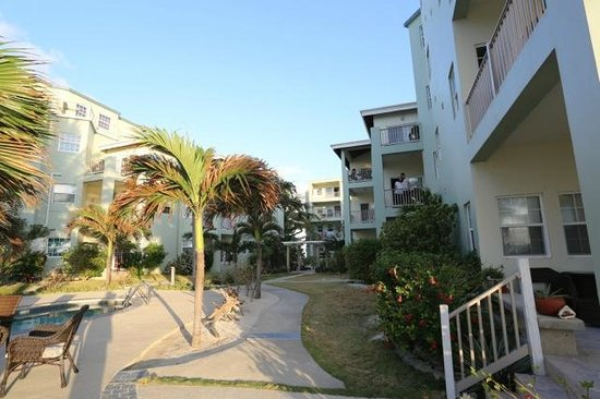 The Landings at Tres Cocos : View of building
