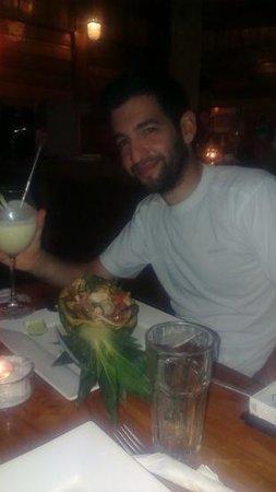 Alma Villa & Restaurant: Seafood pineapple dish and Pina Colada cocktail :)