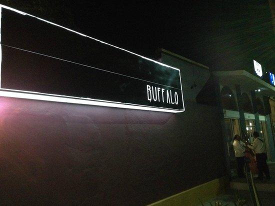 Buffalo BBQ: Front signage