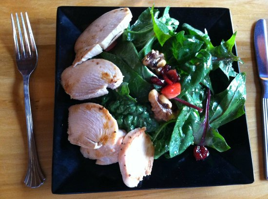 Twisted Sistas' Cafe : Spinach Salad with Chicken and NO Cheese