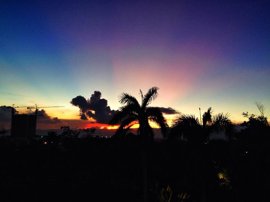 Shangri-La's Mactan Resort & Spa: Sunset view from room