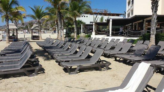 Hyatt Ziva Los Cabos: Camastros de Playa sin Sombrilla