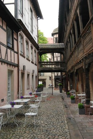 Hotel Cour du Corbeau Strasbourg - MGallery Collection: The central courtyard w. restaurant/ bar
