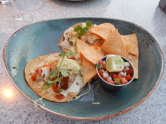 NINE-TEN Restaurant & Bar: Tuna Tacos