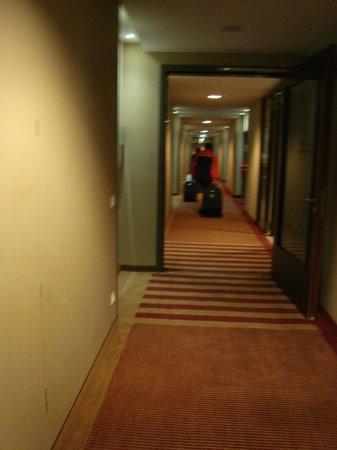 Mövenpick Hotel Frankfurt am Main City: Corredores
