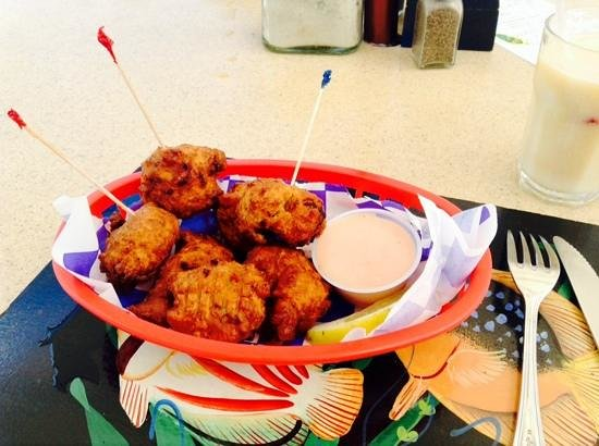 Ocean Club Cabana Bar & Grill: conch fritters