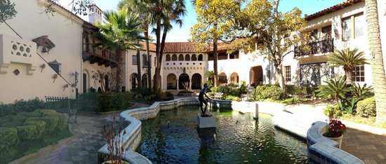 McNay Art Museum: The courtyard