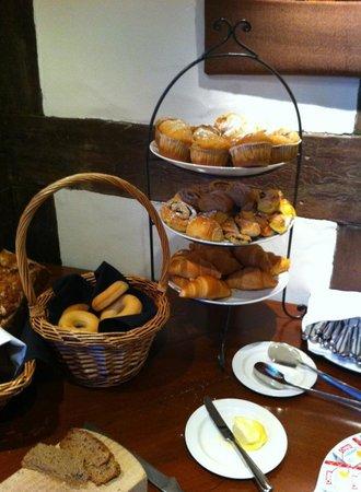 Millbrook Resort: Breads at breakfast