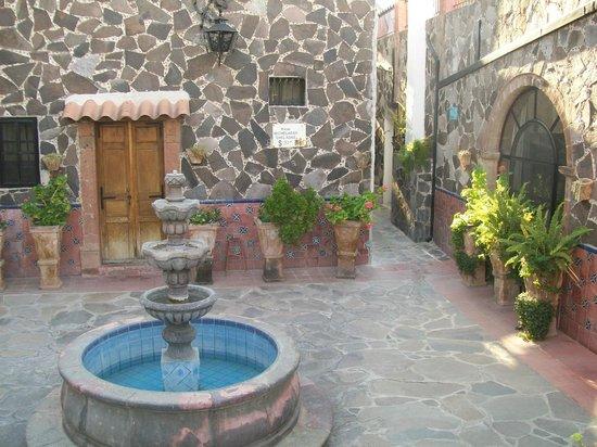 Hotel Posada de las Monjas: Fountain