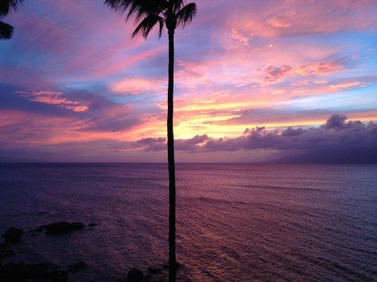 Noelani Condominium Resort: Sunset from 3rd floor balcony (taken with iPhone)