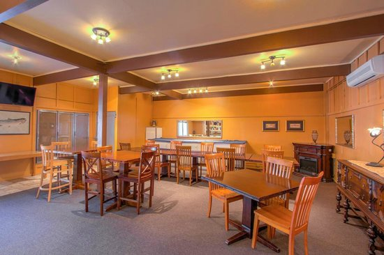 Indian Creek Lodge: Cafe