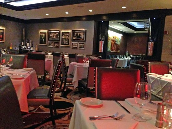 Vic & Anthony's Steakhouse: Dining Room
