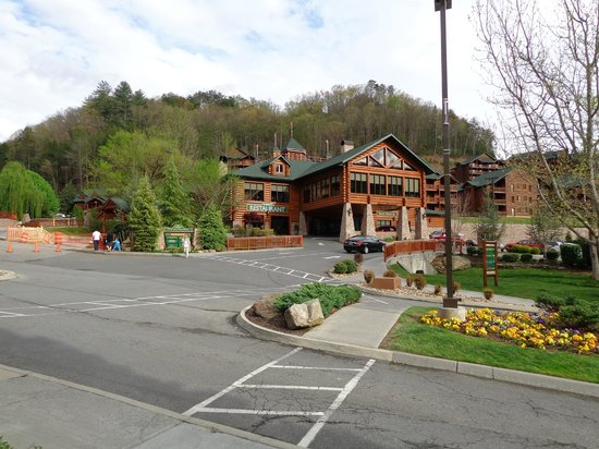 Guard house picture of westgate smoky mountain resort for About you salon gatlinburg tn