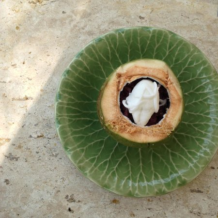 Trisara Phuket: coconut taro root dessert with coconut icecream!
