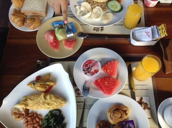 Putu Bali Villa and Spa: breakfast.