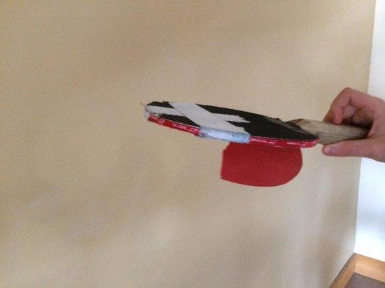 Blueberry Lake Resort: raquette de ping-pong brisée