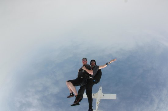 Skydive Indianapolis: My first jump!