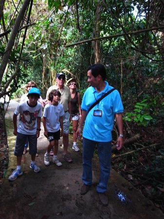 Asia Tour Advisor: Walking to Paradise cave