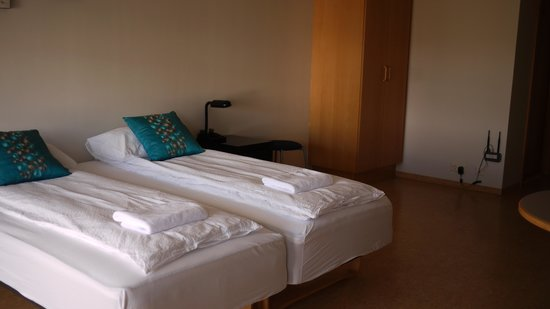 Golden Circle Apartments : Room - Beds