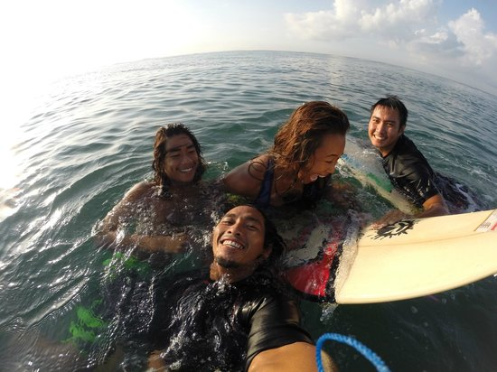 Lolak Surf School