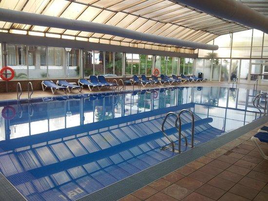 Piscina picture of hotel helios lloret de mar lloret de for Piscina lloret