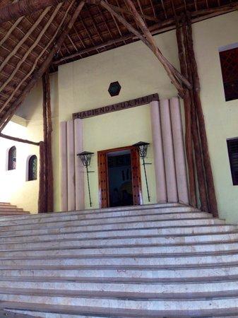 Hotel Hacienda Uxmal Plantation & Museum : Entrada a la historia