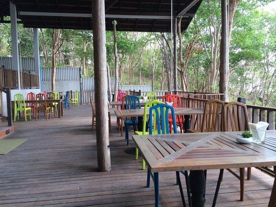 Baan Supparod: Restaurant area