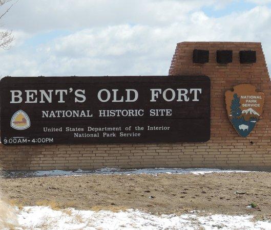 Bent's Old Fort National Historic Site : Main National Park Service sign