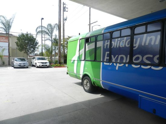 Holiday Inn Express Los Angeles-LAX Airport: servicio bus