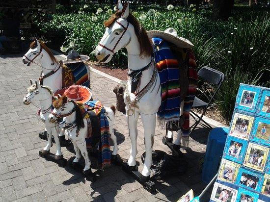 Parc de Chapultepec : Традиционные поделки из дерева