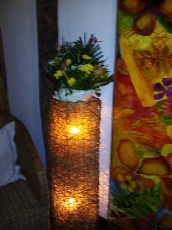 Kalui Restaurant: flowers