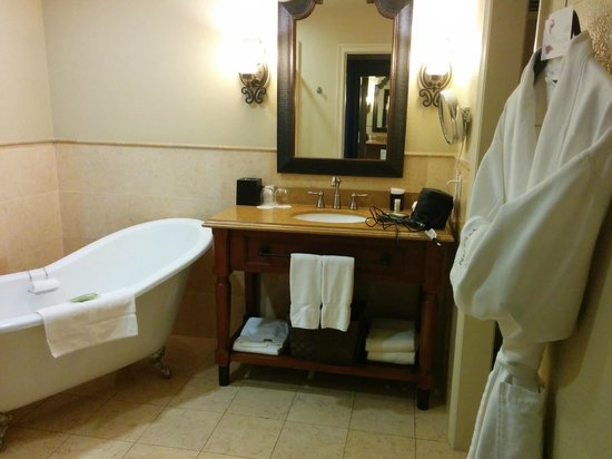 The Westin Sacramento: Best bathroom ever