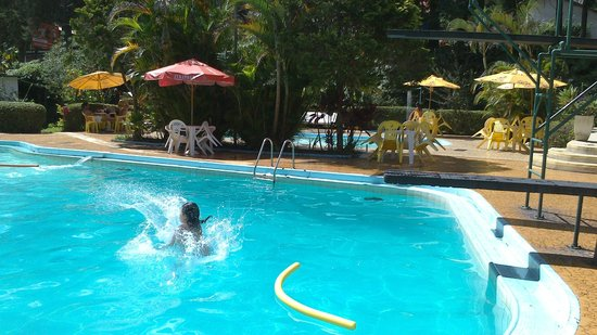 Hotel Bucsky : A área de lazer é muito boa quando há sol.