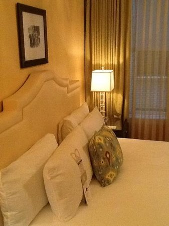 Hotel deLuxe: Stylish Rooms